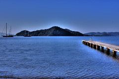 endless blue/ masmavi (renakd) Tags: sea hdr gcek