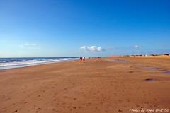Caminando hacia la nube (anbri22) Tags: sky people beach grancanaria clouds walking nuvola gente infinity dunes dune playa canarias cielo infinito spiaggia maspalomas anbri
