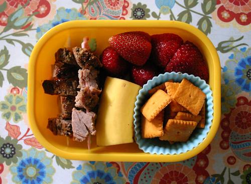 Preschool Bento #183: May 21, 2009