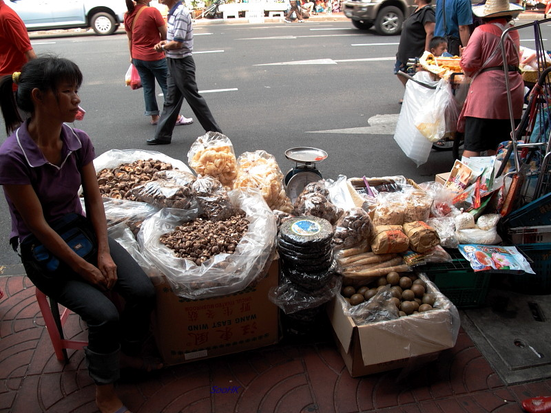 Pavement Vendor @ ChinaTown, Bangkok, Thailand