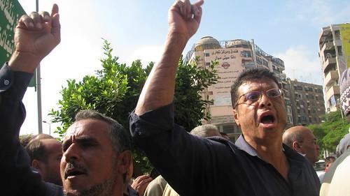 مظاهرة عمال طنطا للكتان امام مبنى محافظة الغربية by you.