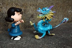 Lucy vs. the Dragon (John 3000) Tags: blue silly cute water azul comics asian toys lucy fight cool funny dragon cartoon peanuts actionfigures characters charlesschulz creature myth juguetes beasts pvc plástico comicstrips 龍 mythological vanpelt 龙 pelear