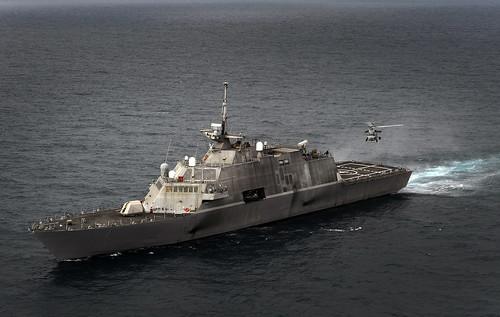 [フリー画像] 乗り物, 船・船舶, 軍用船, フリーダム (LCS-1), 201106162300