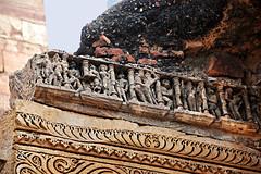 India New Delhi DSC_5822 (youngrobv) Tags: india am nikon asia minaret unescoworldheritagesite complex qutub minar bharat newdelhi dx qutb qutab uttarpradesh  0812 robale hindustan d40 18200mmf3556gvr alaidarwaza dsc5822    youngrobv alaigate