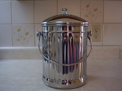 Stainless Steel Compost Bin (Fleurette Jardin) Tags: new kitchen stainlesssteel gift 2009 compostbin compostpail charcoalfilter