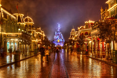 DLRP Feb 2009 - Main Street and the Castle on a rainy Night
