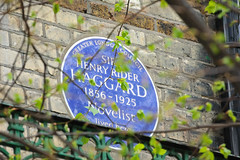 Photo of Henry Rider Haggard blue plaque