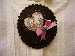 Broche Victoria (TIKO TIKOI) Tags: vintage broche brooch felt fieltro