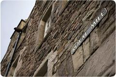 Royal Mile (Paloma+Luismi) Tags: streets stone façades viajes royalmile carteles oldtown edimburgo bypaloma faades
