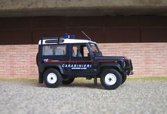 Italia-Carabinieri- Land Rover Defender 90 Soccorso Alpino (gp37) Tags: cars car toys model models police rover collections land law collectors 90 carabinieri defender 143 polizia diecast soccorso alpino politia rendorseg modelauto logreglan astimonia