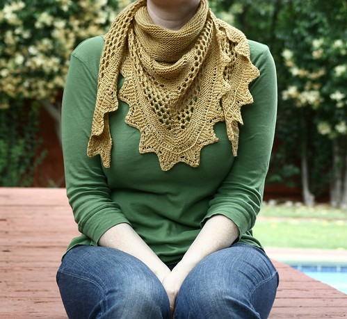 Aestlight Shawl by gudruncjohnston.