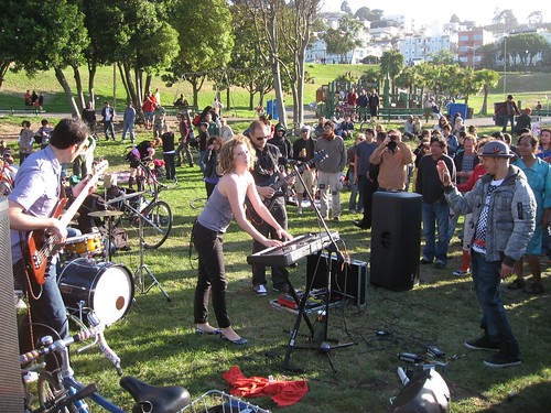 Oona Garthwaite performs at Dolores Park by you.