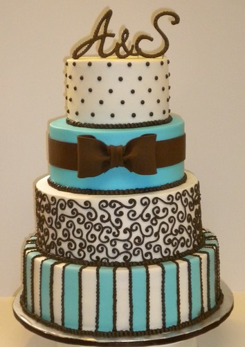 Aqua Blue and Chocolate Brown Wedding Theme Cake and Cupcakes