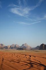 Wadi Rum Desert #1 Jordan (_madmarx_) Tags: sky stone clouds canon sand colours desert dunes wadirum arena jordan area desierto rum cor wadi retocada dunas xsi jordania canoneos450d quarzoespecial madmarx