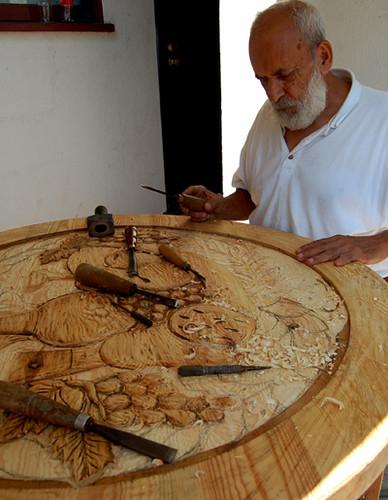 Santos  Wood Artist carving table top