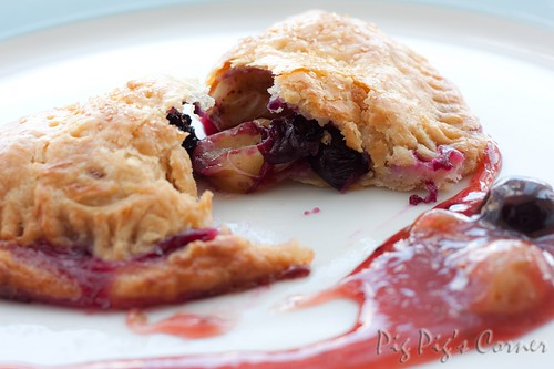Gooseberries and blueberries turnovers 3