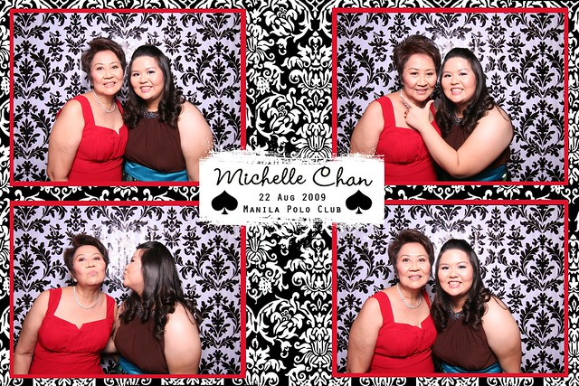 113753-custom-poof_middle by Poof Photobooth
