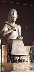 Antichità globalizzate (lounae) Tags: torino coke cocacola turin piazzacastello festadellaliberazione egizi 25042010 25aprile2010