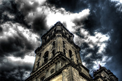 torre poniente catedral, ciudad de mexico / west tower, the cathedral of mexico city (noriko pata pon) Tags: west tower church clouds mexico mexicocity cathedral catedral iglesia nubes hdr ciudaddemexico campanario hdri catedralmetropolitana