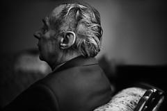 Jean-Paul 76 ans ( a stranger) (Benoit.P) Tags: old portrait canada man colour eye art montral benoit mtl quebec strangers stranger mauricie couleur tr vieux homme sobre paille cravate troisrivires inconnu veston neutre benoitp