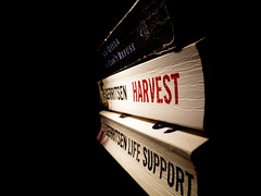 Harvest, Life Support & An Offer You Can't Refuse (patchworkbunny) Tags: harvest books lifesupport 25books tessgerritsen anofferyoucantrefuse book9 book10 book11 jillmansell olympussp570uz the25bookchallenge2009 harvestisofftobeswappedtomorrow