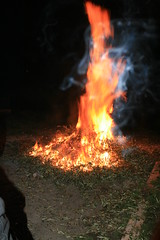 Inquietudine (Mimmo-) Tags: riflessi calore fuoco forme diavolo riflesso strana paura strane