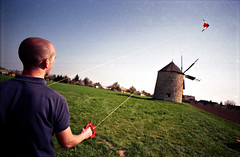 szeles (Lma) Tags: sky kite film windmill analog nikon wind brother 20mm vivitar 2009 g bakony f801 f38 ts 2038 srkny szl szlmalom miletics lma