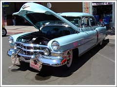 Desert Water Bags  on a  52  Caddy (Bob the Real Deal) Tags: show ca old blue baby 1955 water car vintage whitewalls post antique sony 1954 cadillac trading 1956 bags 2009 1950 classiccars fins caddy cad 1951 1953 1952 sunvisor tomahawk kingsburg sonydscp72 desertbag