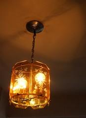 """Lustre Vintage (Santinha - Casas Possíveis) Tags: light luz vintage candle reciclagem decoração velas abajur iluminação lustre lâmpadas lustres iluminado lampião abajour arandela lamparina brechó organização """"blogcasaspossíveis"""" """"idéiasparasuacasa"""" """"idéiasparadecoraracasa"""" """"luzartificial"""" """"aluzeseussegredos"""" """"luzdeapoio"""" """"iluminaçãodedestaque"""" """"luzparaloscuartosdebaño"""" """"lightforbathrooms"""" """"luzcerta"""" """"iluminaçãoparadiversosambientes"""" """"iluminaçãoparajardim"""" """"lâmpadapar"""" """"lâmpadaparainsetos"""" """"iluminaçãodepiscina"""" """"luzdevela"""" """"iluminaçãocênica"""" """"jogodeluz"""" """"iluminaçãoparabanheiro"""" """"iluminaçãoparacozinha"""" """"idéiasparailuminar"""" """"ailuminaçãocerta"""" """"lustresantigos"""" """"lustreantigo"""" """"lustrevintage"""" """"lumináriadechão"""" """"lumináriadepé"""" """"luzparajardim"""" """"ovelhoeonovo"""" """"casaedecoração"""" """"decoraçãoparajardim"""" """"especialsobreiluminação"""""""