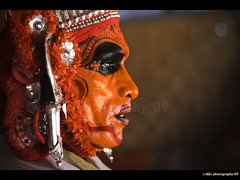 Ready to perform (Diji's Photography [away]) Tags: india art home closeup canon eos experiments culture indoor kerala dslr dfc theyyam diji 400d canon400d malayalikkoottam canon70300usmis neeleswaram rakthachamundi dijisphotography kottappuram wwwdijisworldcom dijisphotography09