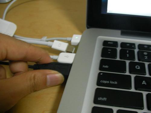 MacBook(Late2008) USB ポート