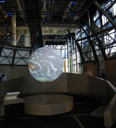 OBJECTIFS TERRE / EXPOSITION CITE DES SCIENCES ET DE L'INDUSTRIE LA VILLETTE PARIS / VISITE PAR CLAUDIE HAIGNERE