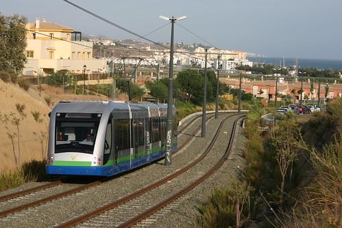El primer tranvía moderno de Andalucía, inaugurado en octubre de 2006 en Vélez-Málaga, dejará de prestar servicio el próximo 31 de octubre. Foto de Tito Mario.