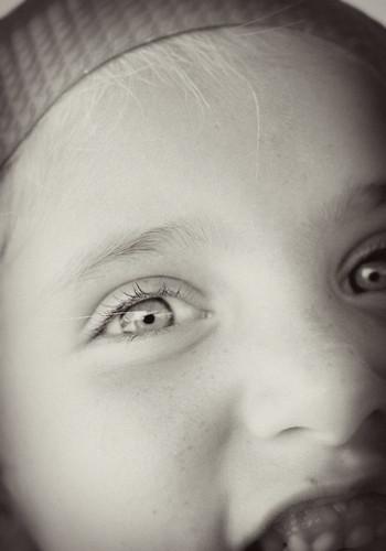 peyton eye bw