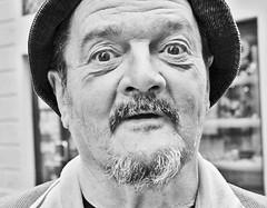 gino il cuoco (kilometro 00) Tags: street italy photography casa strada italia bn persone occhi sguardo e donne urbano poesia sorriso racconto ritratti bianco ritratto nero viso treviso città urlo occhiali uomini luoghi emozioni veneto volto suono sorrisi sguardi visione espressione baffi urbani emozione
