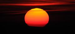 Rayon vert (ComputerHotline) Tags: sunset sky sun france clouds star soleil space ciel astrophotography astronomy universe nuages objet espace solarsystem fra belfort coucherdesoleil objets étoile astronomie univers greenflash franchecomte astrophotographie céleste rayonvert astre systèmesolaire astres célestes fortdusalbert