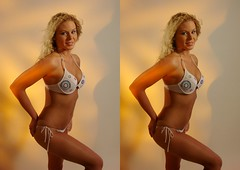 HOOTERS PS 101G (3D LEE) Tags: stereoscopic 3d crosseyed glamour hooters babe bikini crossview