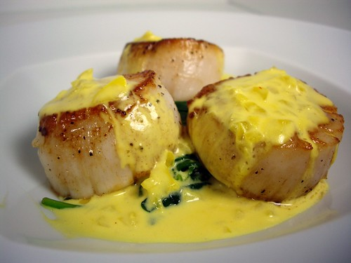 Scallops in Saffron Cream Sauce