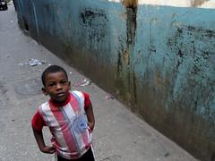 (Mehdi Kavousian) Tags: africa street boy people color wall tanzania football african cyan zanzibar streetshot مردم رنگ زن فوتبال پسر stonecity آبی آفریقا دیوار colorsofafrica فیروزهای تانزانیا آفریقایی رنگهایآفریقا شهرسنگی