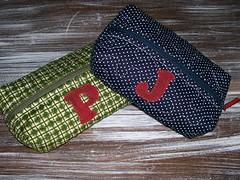 EsToJoS (DoNa BoRbOlEtA. pAtCh) Tags: patchwork letras aplicao estojos denyfonseca