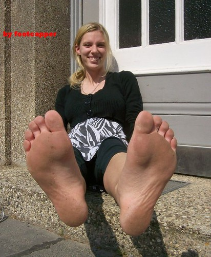 female scenario feet dirty soles