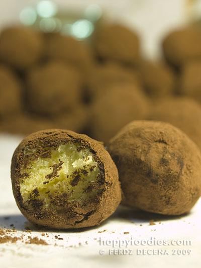 Gigis Choco Poppers Custaroon