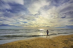jogging above sunset (paolo brunetti) Tags: blue light sunset sea sky cloud sun white beach water clouds walking hope one sand tramonto mare waves cloudy blu horizon pray wave pisa cielo sole jogging acqua livorno bianco spiaggia luce vacanza shines onde sabbia onda orizzonte passeggiata speranza preghiera nuvoloso scoglio pregare calambrone sperare nuvolo splende