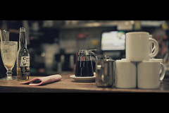 Breakfast at Night ! (- Loomax -) Tags: breakfast bar night lifestyle diner cinematic bia tasses breakfastinamerica cinemascope siropdrable