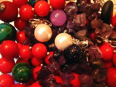 Round And Colorful (Mahsa3611) Tags: light red green colors colorful iran round shiraz pearl mahsa سبز رنگ قرمز مهسا honarmand cmwdred مروارید مدادرنگی گوی mahsa3611 دفترمشقت جینگیلپینگیل