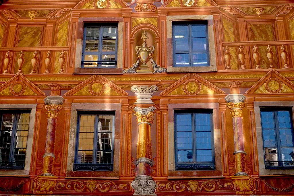 Strasbourg, façade peinte en trompe l'œil.