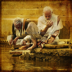 The Golden Beams (designldg) Tags: people india man reflection heritage water yellow photography gold amber han