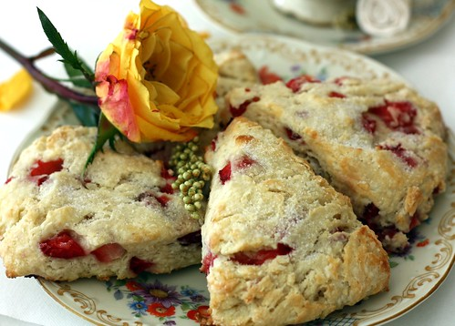 scones strawberries scones strawberry lemon scones strawberry scones ...