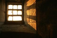 Antiguo Faro Silleiro (Contando Estrelas) Tags: espaa lighthouse faro ruins ruin ruina galicia ruinas punta former beacon antiguo bayonne negras baiona bayona silleiro baredo