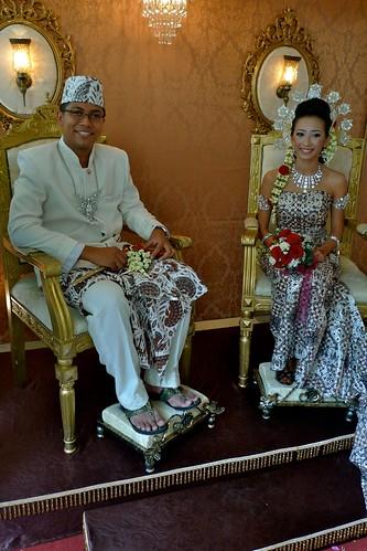 pengantin kelihatan berseri